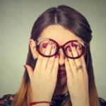 眼精疲労と頭皮の関係性!疲れ目の原因・対策・予防について
